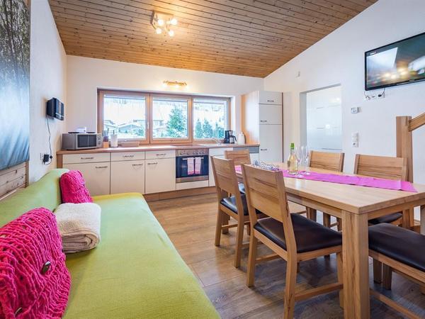 19_Ferienhaus_Chalet_Zillertal_Wohnküche4