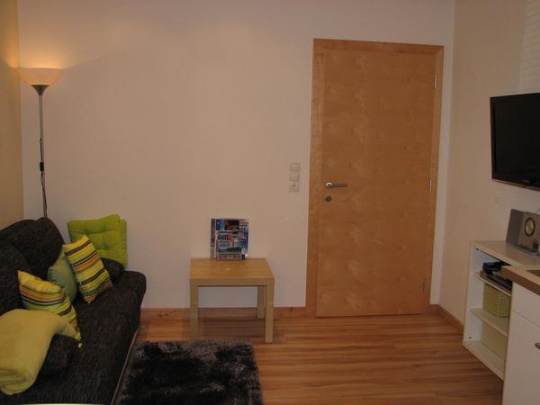 ausziehbares Sofa, Flat-TV, Radio, CD-Player