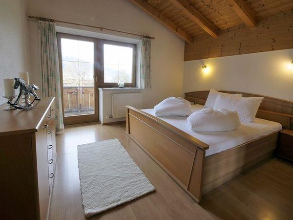 Zillertal-Fuegen-Appartements-Huber-Top4-Schlafzim