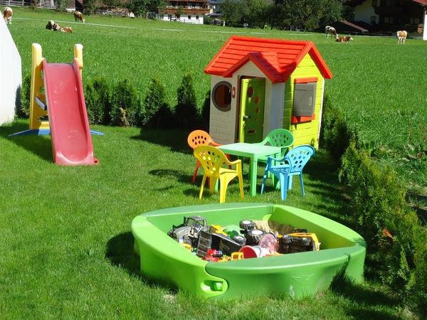 Spielplatz beim Haus