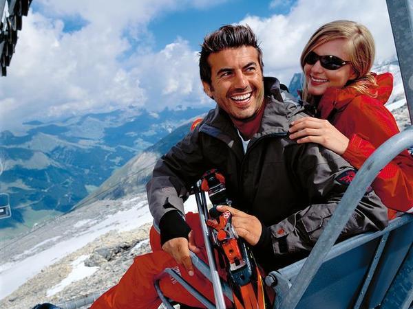 1TXFB_Im_Sommer_Skifahren