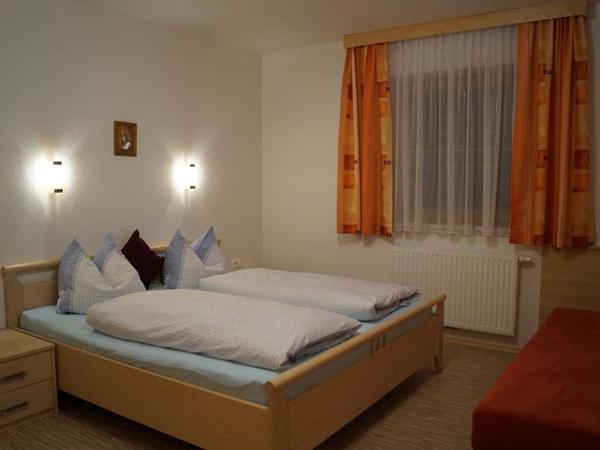 Zimmer 1 WO 3-1