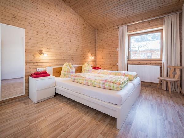09_Ferienhaus_Chalet_Zillertal_Schlafzimmer_nord1