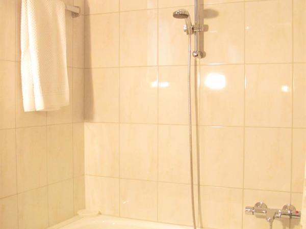 Badezimmer - Badewanne
