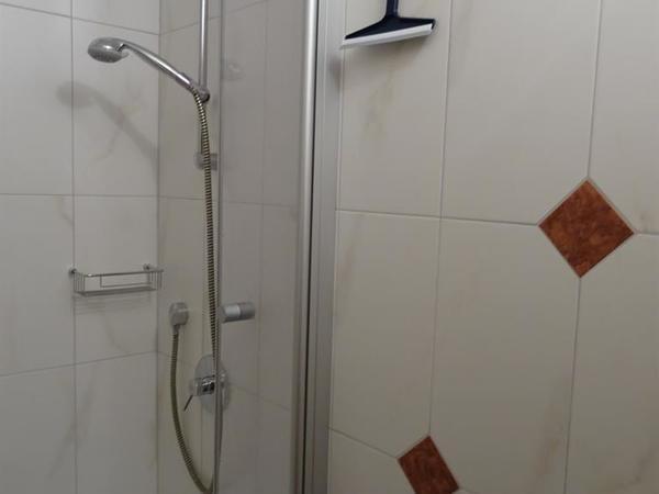 Dusche 2 Neu