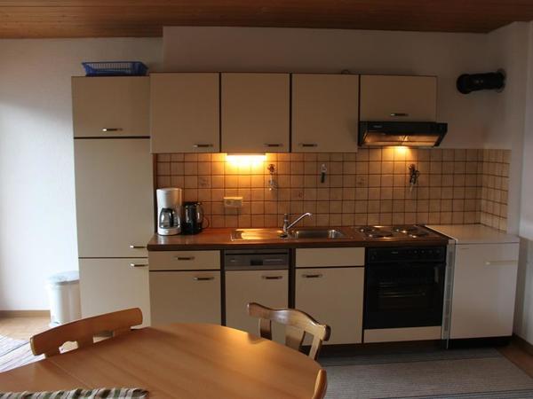 Küchenblock mit Spülmaschine