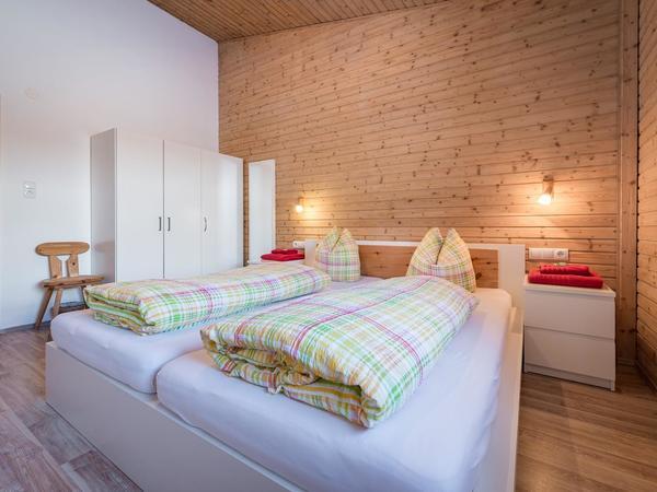 10_Ferienhaus_Chalet_Zillertal_Schlafzimmer_nord2