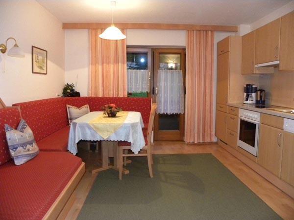 Ferienwohnung 2 Wohnküche