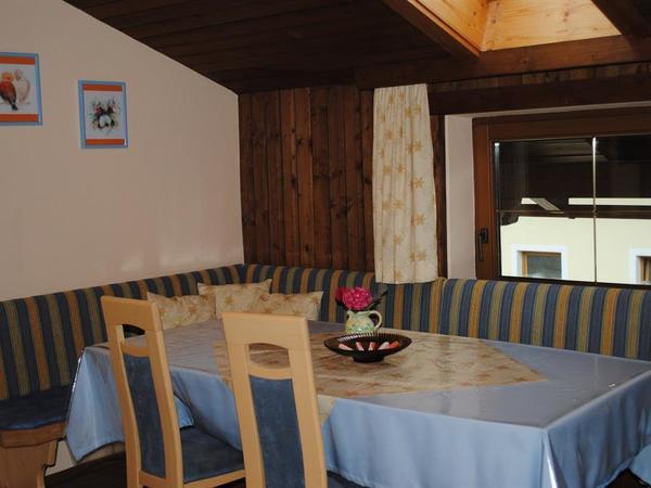 Küche Fewo mit Balkon