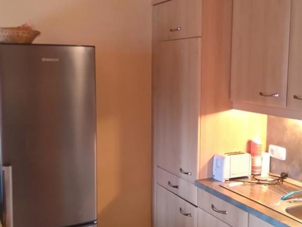 neuer Kühl- gefrierschrank