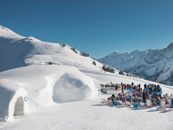 White Lounge Iglu - Ansicht