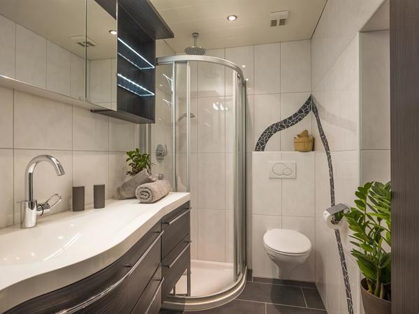 Badezimmer Appartement Ahorn