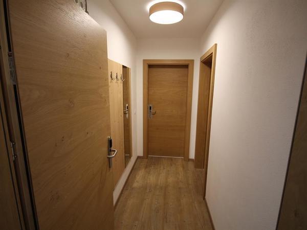 Vorraum und Garderobebereich