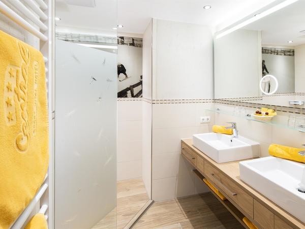 Badezimmer Familien Suite (2)
