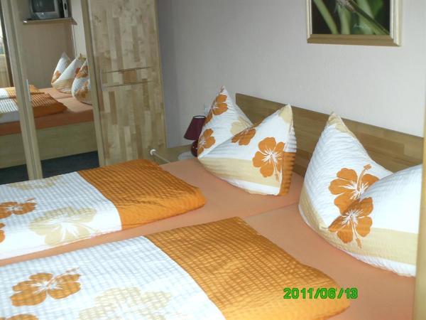 Doppelbettzimmer 1