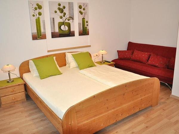 Neu renovierte Ferienwohnung - Schlafzimmer 1
