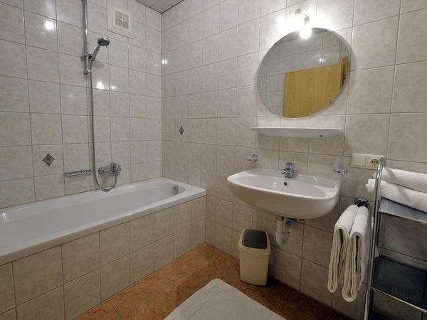 Zillertal-Fuegen-Appartements-Huber-Top4-Badezimme