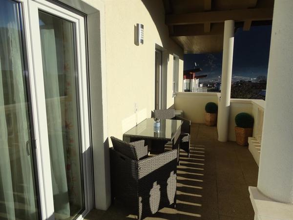 Balkon mit schöner Ausicht in die Zillertaler Alpe