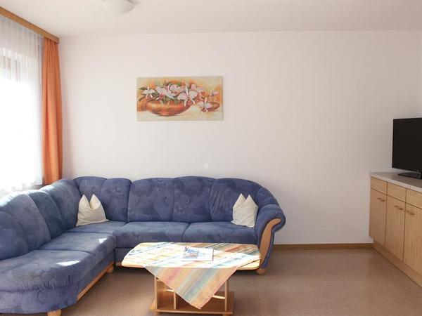Wohnecke mit Sofa