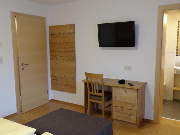 Doppelzimmer mit Zusatzbett möglich