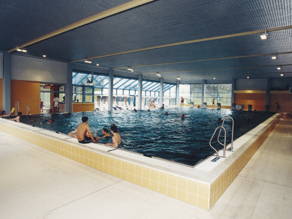 Indoor- and Outdoor Pool Steyr