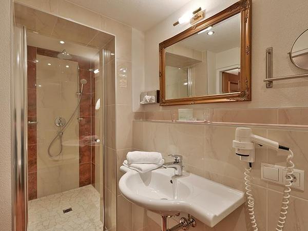 Bath room hotel Glockenstuhl in Gerlos