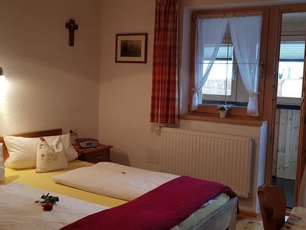 Zimmer II mit Dusche /WC Naturholzboden!