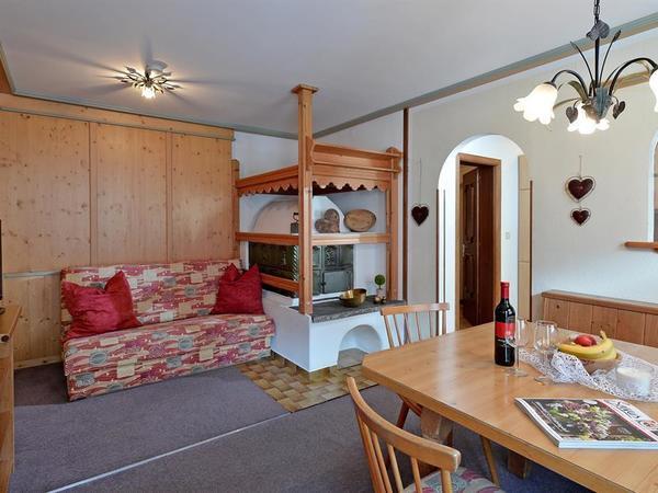 Wohnzimmer Tirol