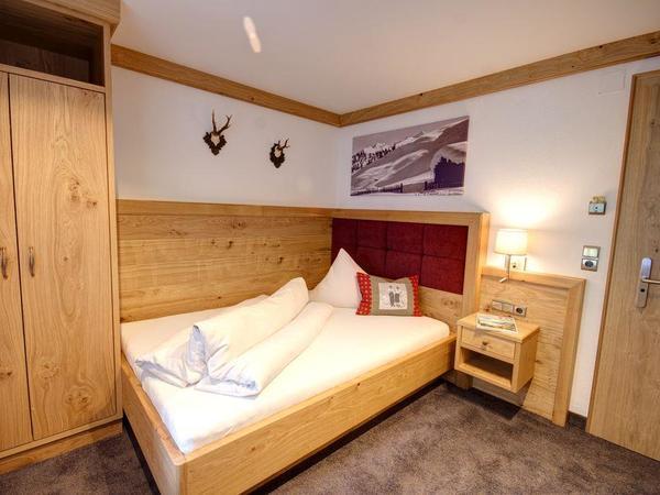 Einbett de luxe Bett 140