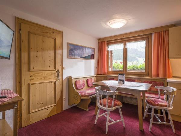 Wohnküche Wohnung 5, Urbingerhof