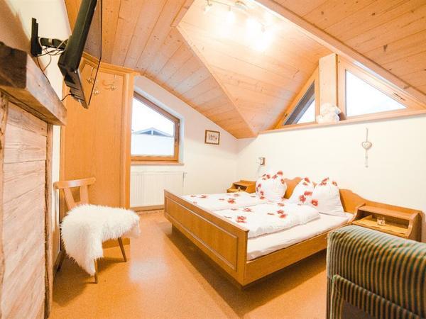 Mansardenwohnung Schlafzimmer03