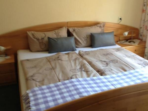 Schlafzimmer Ahorn