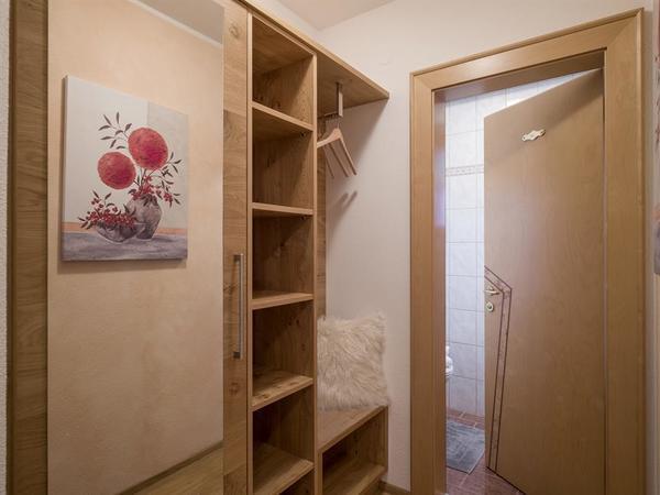 Garderobe Apartment Ahorn Blick