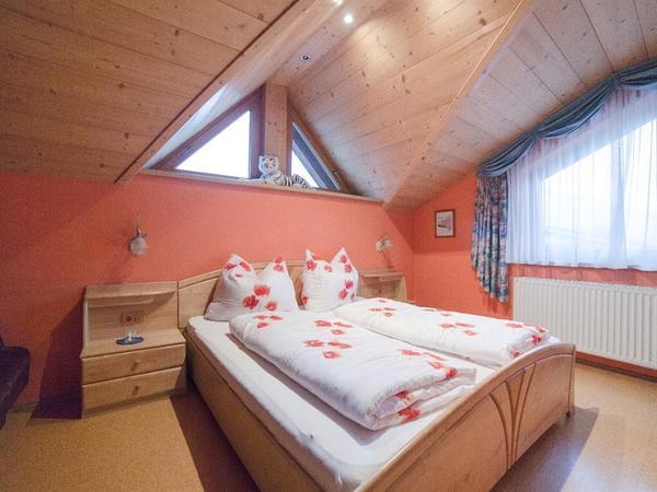 Mansardenwohnung Schlafzimmer02