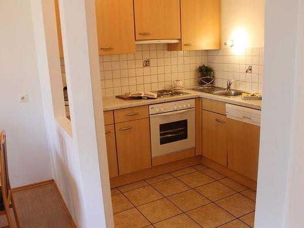 Zillertal-Fuegen-Appartements-Huber-Top8-Eckkueche
