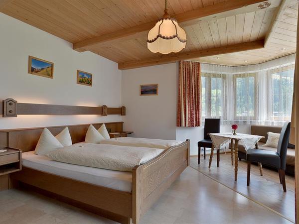 Landhaus-Oberau-Zimmer 1