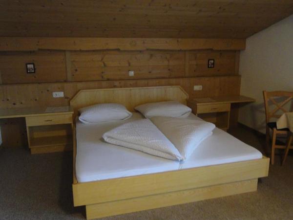 Schlafzimmer 2-1