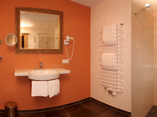 Zirbensuite 53 - Badezimmer