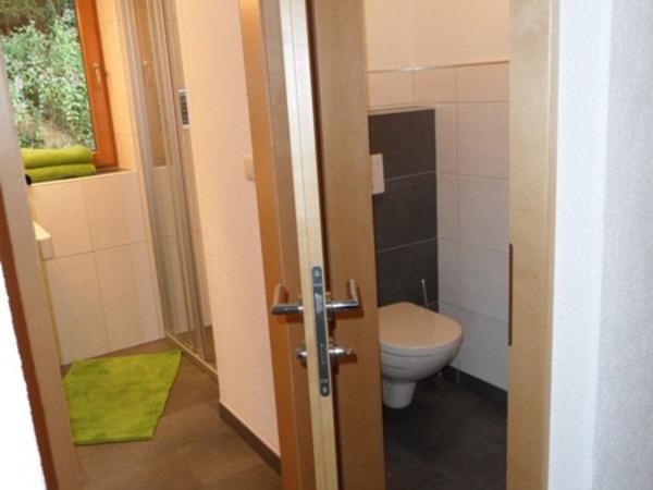 Badezimmer & Toilette