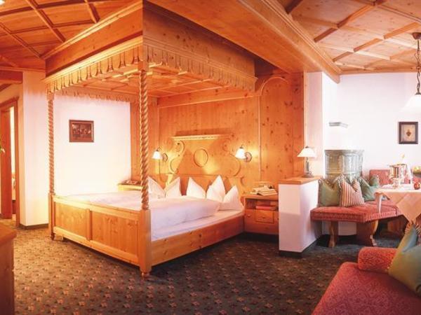 Zimmer mit Himmelbett Kategorie I