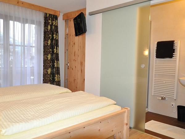 Doppelzimmer aus Zirbenholz - DU/WC