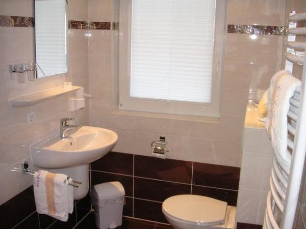 Dusche/WC Zimmer 2