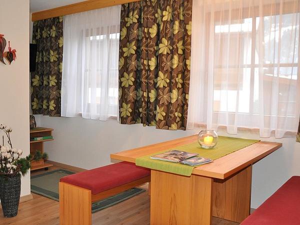 Neu renovierte Ferienwohnung - Essbereich