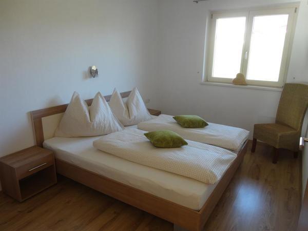 Schlafzimmer mit 180x200