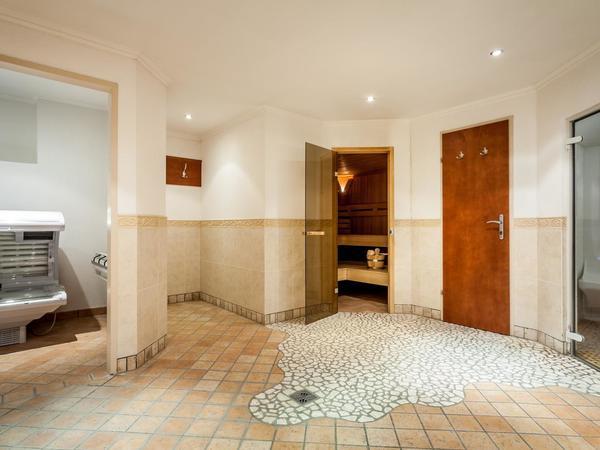 Sauna, Dampfbad, Solarium (© Apart Tuxertal)