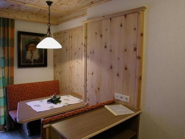 Sitzecke Suite 4