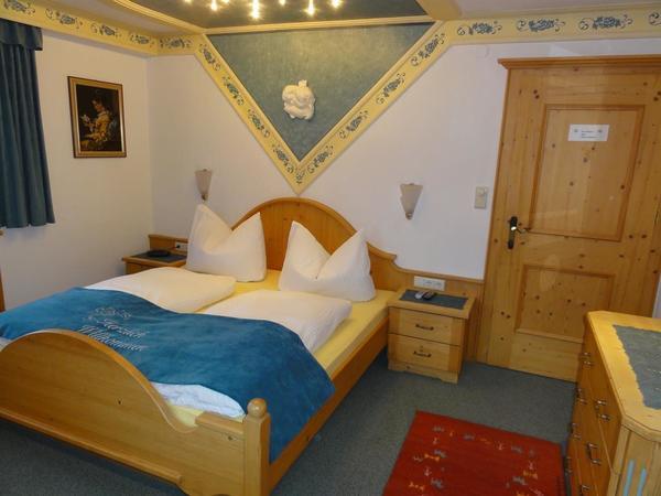 Zimmer gelb 2
