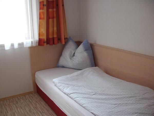 Zimmer2Bett3