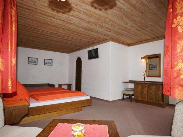 Zimmer 4 - Bad/WC - 4 - 3-Bett