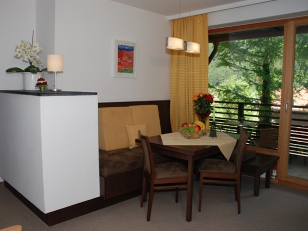 Appartment 210